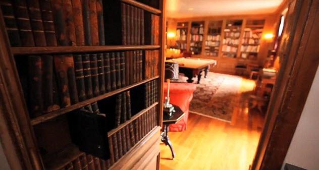 3b-secret-passageway-speakeasy