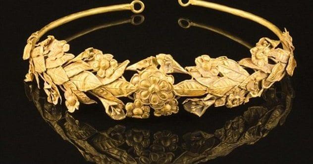 greek-myrtle-crown-featured