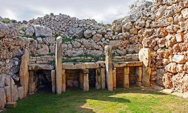 9a-ggantija-temples