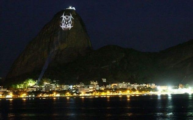 sugarloaf-mountain-hologram