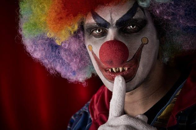 10a-creepy-clown-smile-162662437