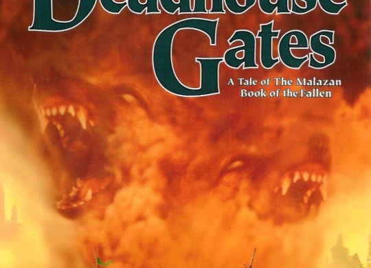 Capa do livro Deadhouse Gates, escrito por Steven Erikson.