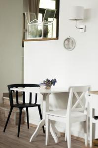 beca's kitchen interior2