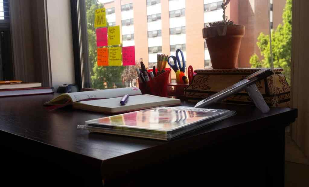 One of the best ways to boost productivity is to change your environment. Check out these 9 easy tricks for sprucing up your workspace and getting inspired to work!
