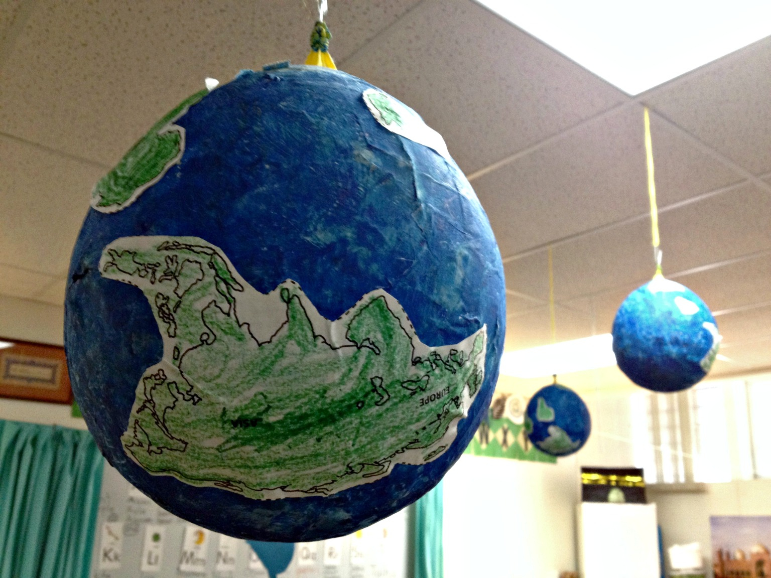 paper globes To celebrate earth day, the best thing you could do is nothing make no waste but, if that's not practical, how about a recycled paper craft that you can do with the kiddos but really, you.