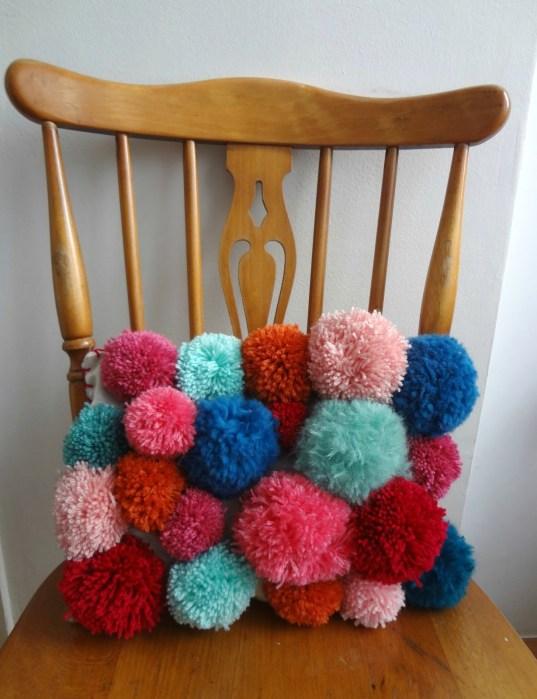DIY Pom Pom Pillow  |  Off the Hook Monday