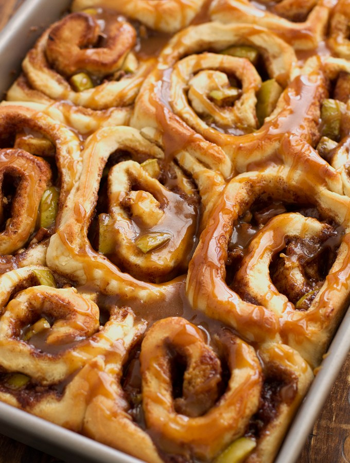 Caramel-Apple-Cinnamon-Roll-13