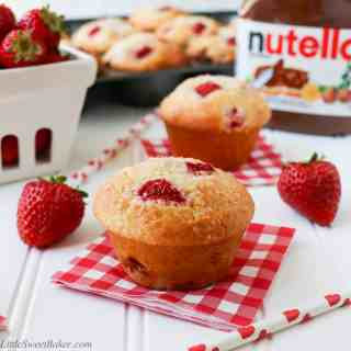 Nutella Stuffed Strawberry Muffins