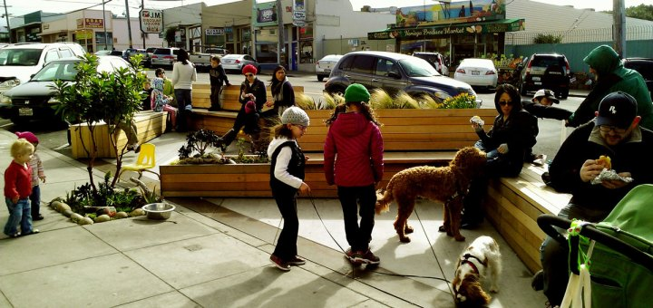Parklet at 3876 Noriega Street. Photo by the San Francisco Planning Department