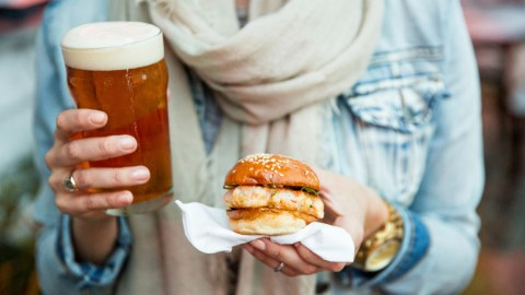 Beer, sliders and much, much more at the Charleston Wine and Food Festival. (Photo: Andrew Cebulka/CWFF.)