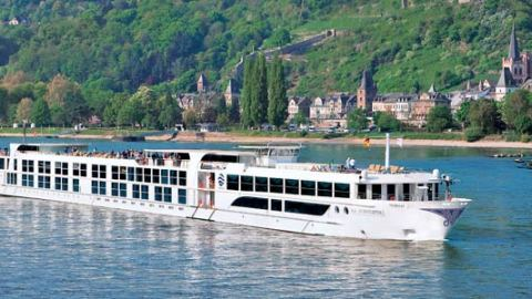 new river cruise