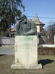 Bustul lui Ion Agârbiceanu din orașul Cluj
