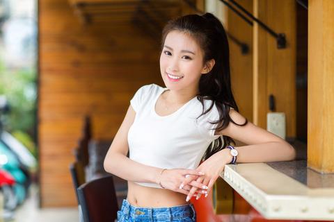 新婦は、25歳のすごくかわいい人で仕事もよくできるし、職場のアイドル的存在らしい。が・・・・