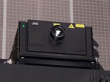 NHK技研公開2015、初のフルスペック8Kスーパーハイビジョンプロジェクタ登場