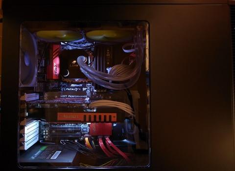 PCの配線綺麗にしてみたよ