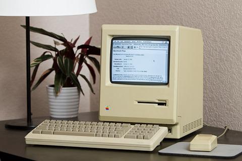 27年前に購入したMacでインターネットに接続成功 速度は8kbps
