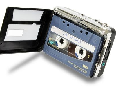 PCレスでカセットテープをMP3化。3,980円のポータブルレコーダ「カセッ録る」が発売