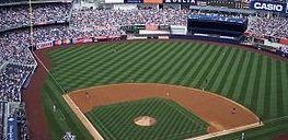 セ・パ野球「試合時間も短くしたし予告先発も取り入れたけど観客減…何でなの/(^o^)\」