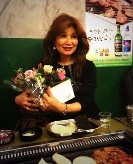 【画像】 韓流タレント チャン・グンソクさんの美人ママをご覧ください。