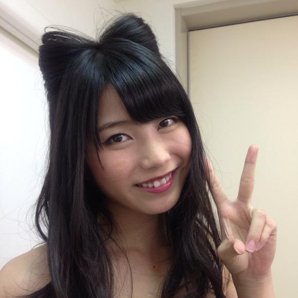 【画像】横山由依(20) 猫耳セクシー姿公開 「やばい!可愛すぎ!」とファン絶賛
