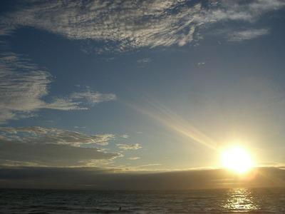 (静岡県)_伊豆-下田-白浜海岸にて。朝日。_-_panoramio