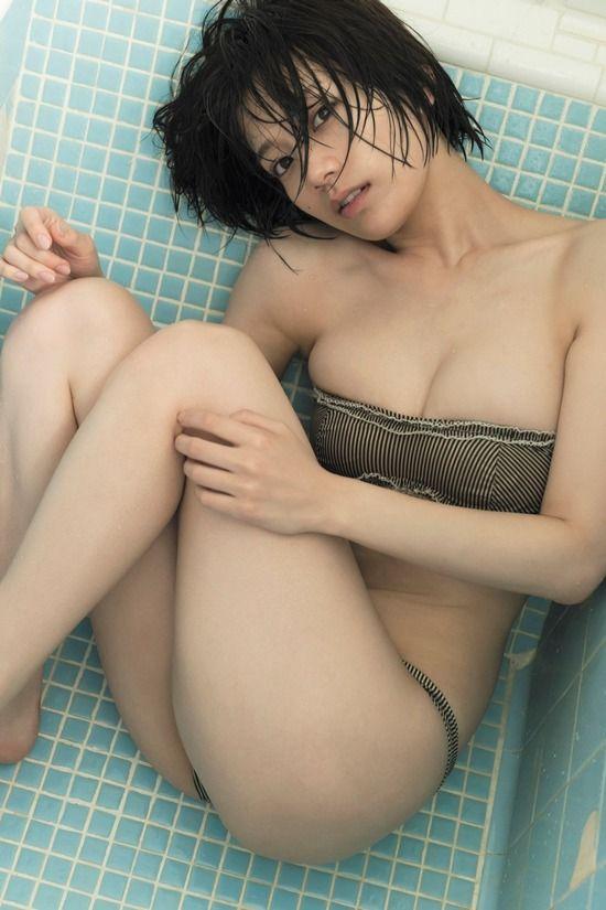 佐藤美希(25)のW杯中継キャスターの写真集先行カットがぐうシコ♪♪【エロ画像】