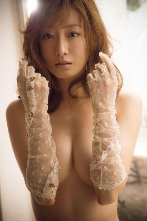 松本まりか(33)のセクシーランジェリーグラビアがぐうシコ。。【エロ画像】