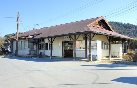 日本中の田舎が駅を建て替えて悲惨なことになってるwwwwwwwwww