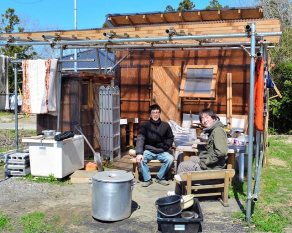 生活費は月3万~5万円 自作の小屋で暮らす若者たち