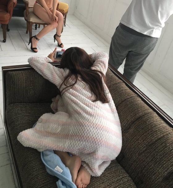 白間美瑠のオフショットを撮るみるきーカメラが有能すぎる!エロすぎるw【画像あり】