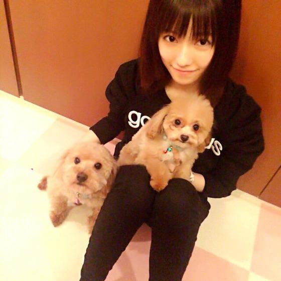 AKB島崎遥香がファンと犬相手で態度が違い過ぎると話題にwwwwww【画像あり】