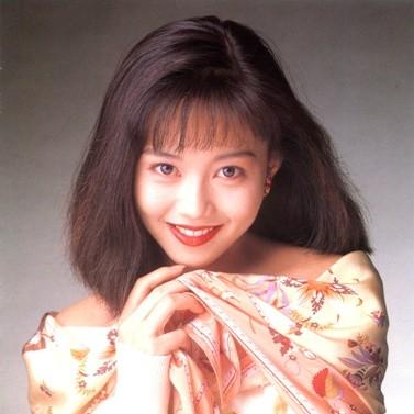 浅香唯、アイドル時代に恋愛が発覚して「相手は仕事干されました」記者会見で失態