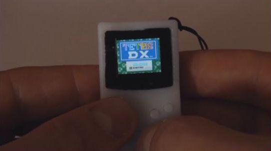ゲームボーイ 親指 小型 小さいに関連した画像-01