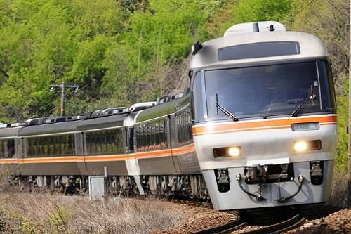 【また団塊】63歳の老害、刃物を見せびらかし電車を止める