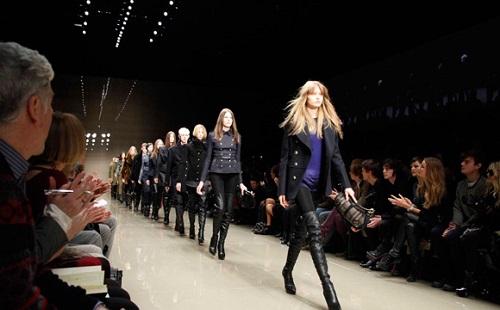 【デブ歓喜】フランス議会、痩せたファッションモデルをショーに起用できなくする法案を可決