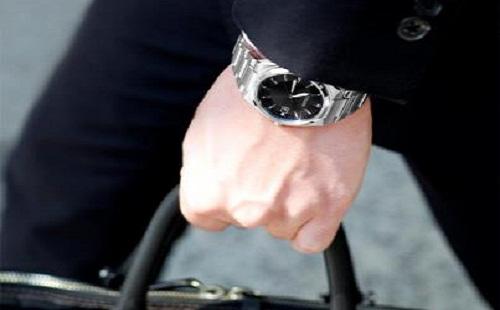 社会人なんだから腕時計しろって言われたんだが…