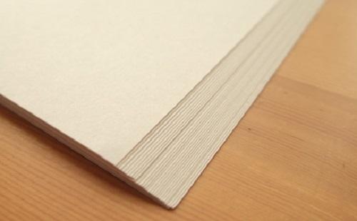 面接官「紙一枚の厚さを出来る限り安価かつ正確に測りたい。どうする?」 僕「100枚重ねて厚さを測り100で割ります」 →結果wwwwwww