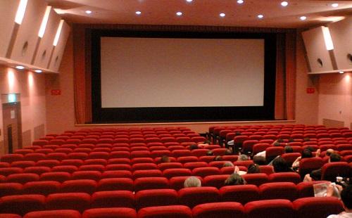 映画館ってぼったくりすぎだろwwwwwwww