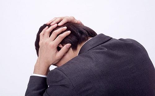【悲報】ワイ新人社畜、飲み会で上司の頭ひっぱたき絶望