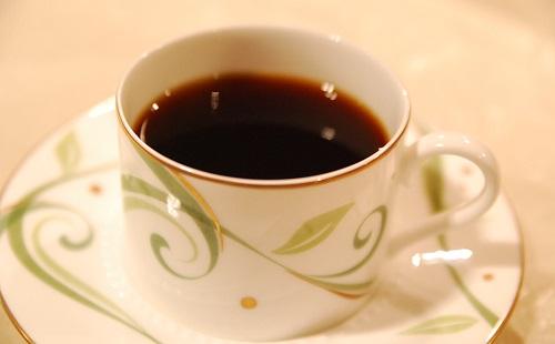 俺の一日のコーヒー消費量wwwwwwwwwww
