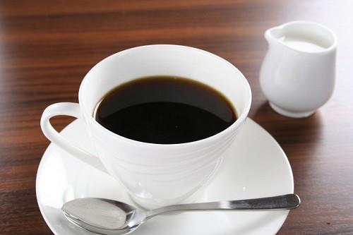 ウィンナーコーヒーはソーセージの入ったコーヒーだと思ってた奴wwwwwwwww