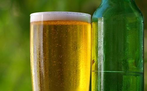 ビール飲む時になんで氷を入れないの?