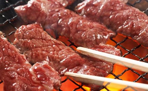 「ちょっと、食べる用の箸で肉焼かないでよ」 ←こういう奴なんなの?