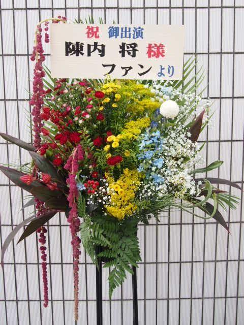 赤坂RED_THEATER秋のスタンド花(9月10月)|フラワースタンド スタンド花 カノシェ
