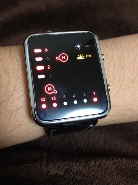 2進数表示の腕時計買ったwwww