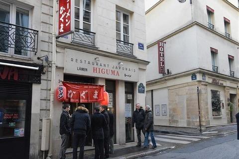 【画像有り】フランス人のラーメンの食べ方wwwwwwwwwwwwwwwwwwwwwwwwwwwwwwwwwwwwwwwwwwwwwwwwwwwwwww