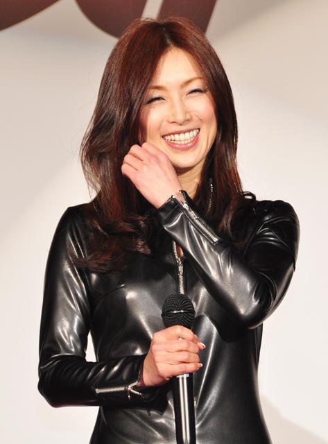 酒井法子 AKBの恋愛禁止に持論 「女の子は恋した方が綺麗になる」