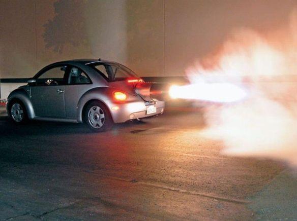 米国の男性、1500馬力ジェットエンジン搭載のVWビートルを製作(写真アリ)