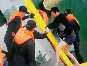 海洋警察「救助した相手が船長だとは分からなかった。救命胴衣着てたしあんな格好だし・・」