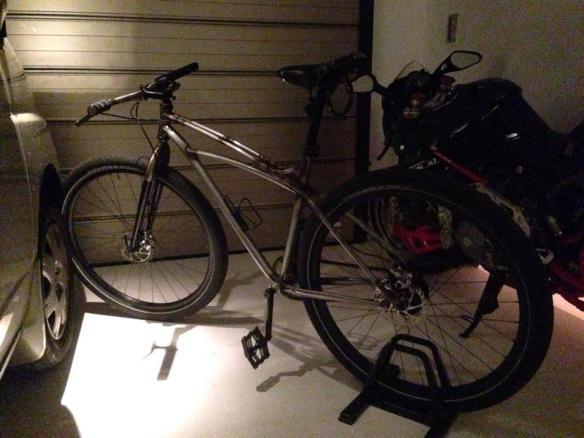 俳優の伊勢谷友介さんの自転車が盗まれる (画像あり)